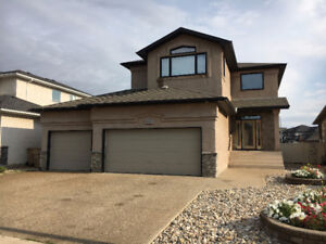 6 Bedroom House in Wascana View