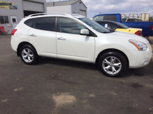 **PRICE REDUCED** 2010 Nissan Rogue SL AWD **88,700 km only**