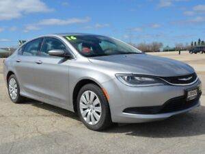 2016 Chrysler 200 LX DEMO *LOW Payment*  *DEMO*
