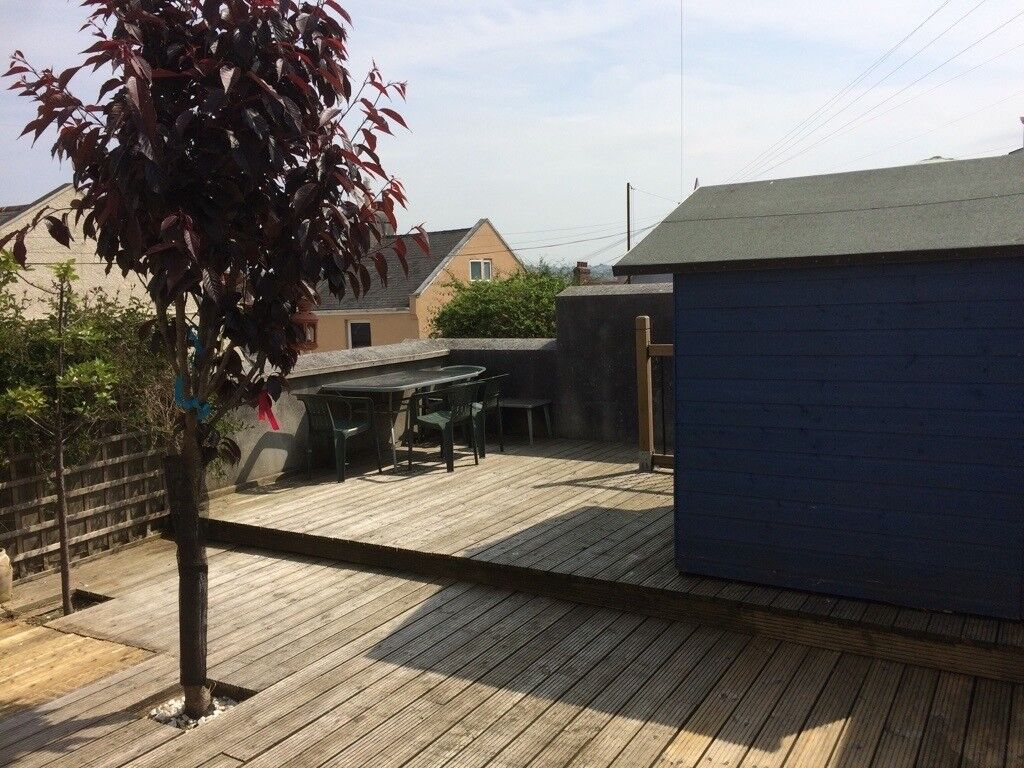 Lovely Single room in large, newly renovated, quiet Professional house