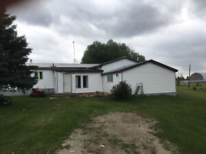 REDUCED MUST SELL  5 bedroom mobile home on rented acreage