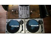 Set of direct drive turntables plus mixer