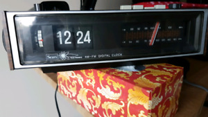 Vintage Sears flip clock radio