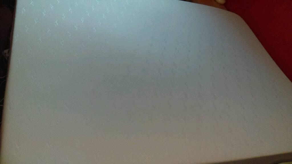 Cream coloured Memory foam king size mattress hardly used