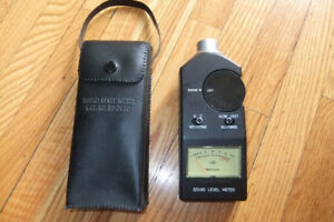 radio shack sound level meter model 33-2050 and case