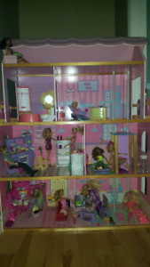 Barbie Doll House with Barbies