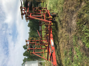 For sale 32' bourgault cultivator