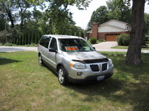2007 Pontiac Montana Minivan, Van great condition !