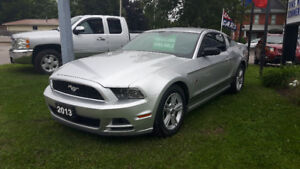 2013 Ford Mustang V6 Coupe (2 door)