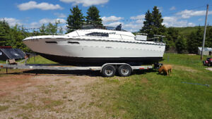 Sea ray cabin cruiser