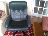 Leather office/ lounge reclining chair