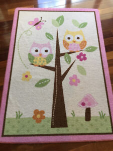 2 Kids Rugs & Picture Set