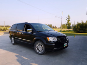 2012 Chrysler Town Country Limited
