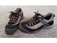 SAFETY SHOES size 10-11 Tomcat