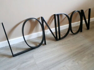 "OR BEST OFFER Black metal ""LONDON"" sign/wall art"