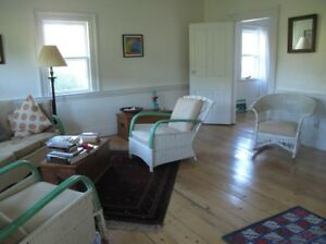 Charming Cape on Kingsburg Rd in Rosebay for Rent Sept15-May 31