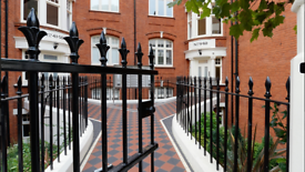 1 bedroom flat in Hamlet Gardens, Ravenscourt Park, Hammersmith, W6