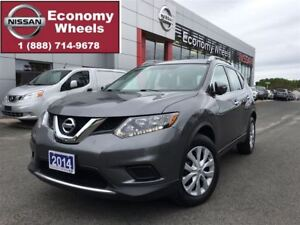 2014 Nissan Rogue S / AUTO/ AIR / ONE OWNER
