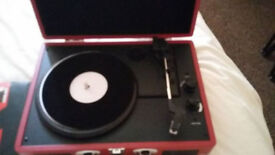 RP turntable with bluetooth connectivity