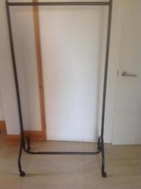 Garment/clothes rail