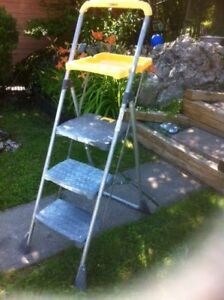 3 step steel ladder