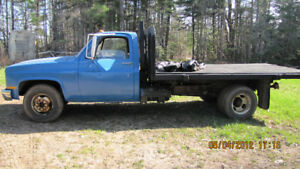 1983 GMC 1 Ton Dual Wheel Flat Deck 4x2 With Hoist