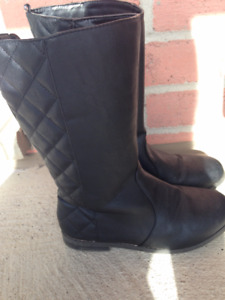 Black quilted Boots