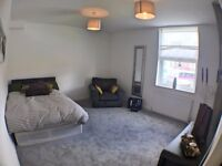 ** HALF PRICE 1ST MONTHS RENT ** All incl. Double Bedroom available in Cross Gates.