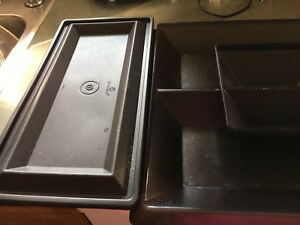 Tupperware Veggie Tray/side trays for extras