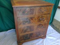 VINTAGE MAHOGANY CHEST OF DRAWERS.