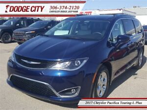2017 Chrysler Pacifica Touring-L Plus | FWD