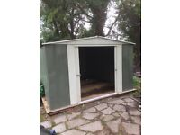 4m x 3m steel garage with wood new base and good steel clasp lock