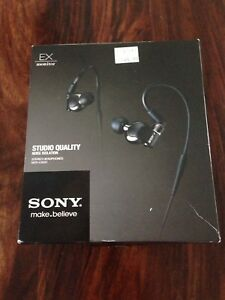 Sony MDR-EX600 earphones for sale