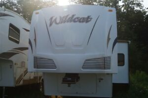 2008 Forest River wildcat 32QBBS -