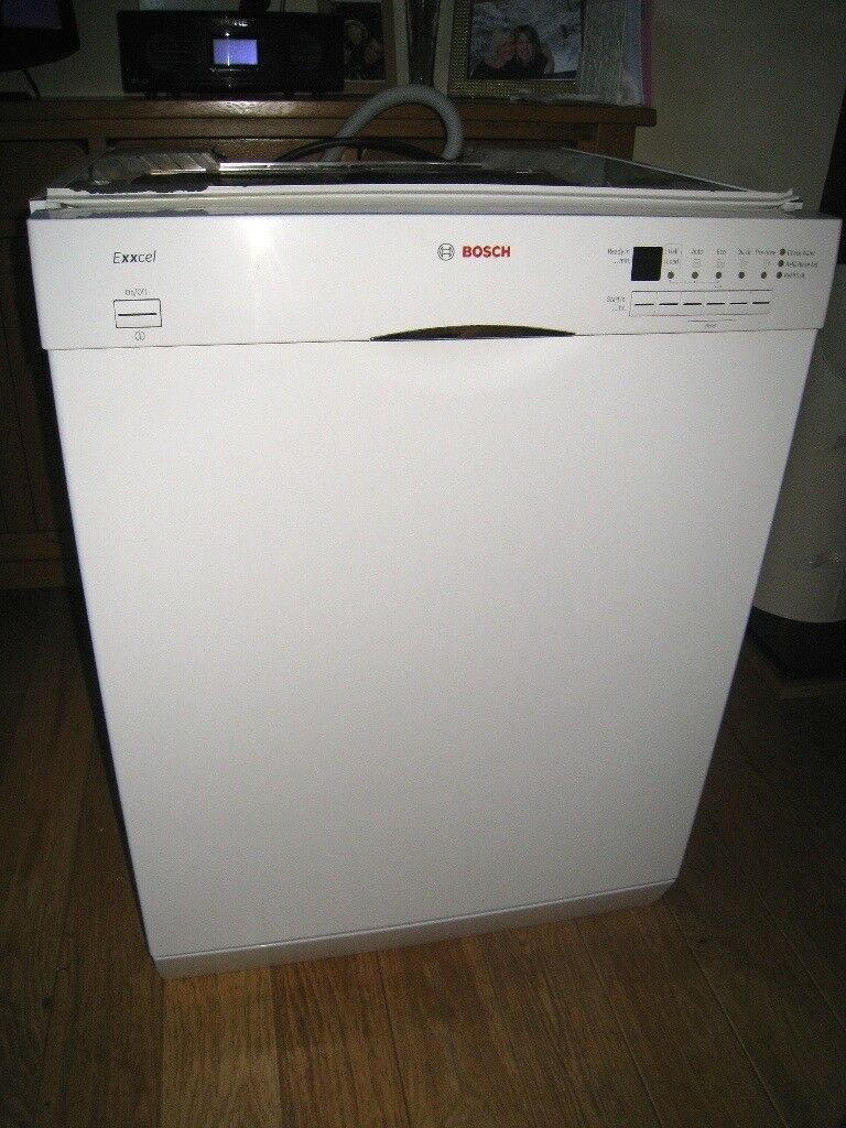 BOSCH EXXCEL DISHWASHER MODEL NO SGS4E22GB/01in Bedford, BedfordshireGumtree - FOE SALE IS A FREE STANDING BOSCH DISHWASHER MODEL NUMBER SGS4E22GB/01 GREAT CONDITION LITTLE WEAR ON THE TOP SHELF BASKET, WITH THE PLASTIC WORN WORKING ORDER , WHEN REMOVED TWO PEOPLE FOR COLLECTION