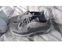 Nike air max 90 2.0s stunning size 9.. Rrp £125
