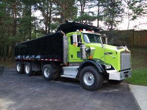 2009 KENWORTH TRI-AXLE DUMP TRUCK/SAFETIED & E-TESTED