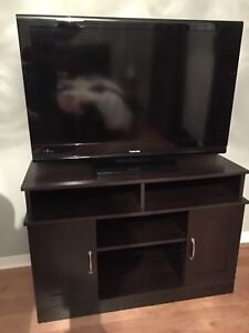 """40"""" LCD 1080P Toshiba TV - with TV stand**MOVING SALE"""