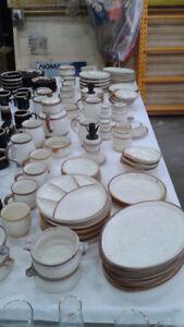 Vaisselle en céramique (divers pièces)