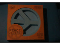 Silicone 'Peace' cooking pan