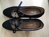 Size 7 women's heels. Worn ONCE .