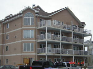 Comfy & Convenience Condo By Clareview LRT station