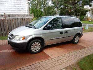 2002 Dodge Caravan SE Minivan, Van