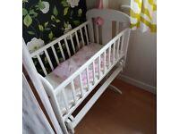 Cosatto swinging crib (white)