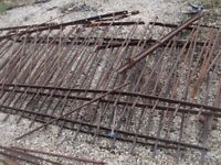 METAL RAILINGS APPROX 30-35FT OK CONDITION.