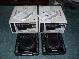Pioneer CDJ 1000 Mk3 With Original Box, Manuals and SD Cards and Spares. Good condition DJ Decks
