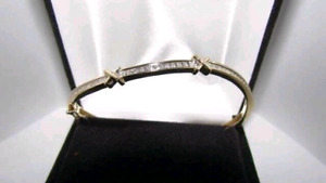 Gorgeous woman's stamped 10K gold bracelet.