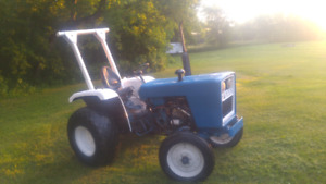 Compact Tractor Ford 1700