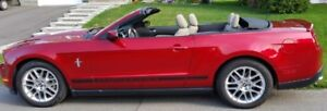 2012 Ford Mustang Premium V6 cabriolet convertible.36500km