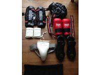 Full Taekwondo Sparring Kit with Net Kit Bag (Size: M/L)